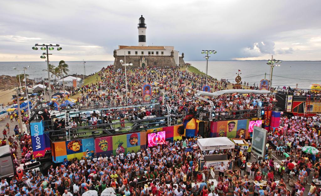 ACM Neto volta a falar de possibilidade de adiar Carnaval: 'Poderia ser em julho'