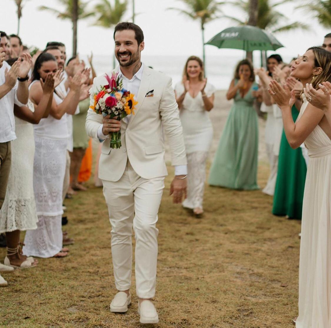 Médico decide casar consigo mesmo após término do noivado