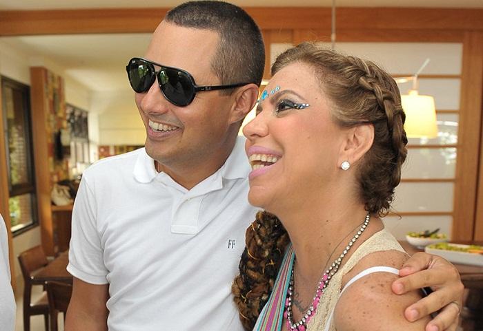 <b>Fausto Franco</b> é um apologista do casamento. Soube escolher muito bem Astrid ... - fausto_e_astrid_alo_alo_bahia