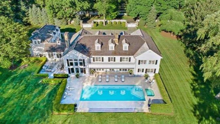 0c1b2784a Tomy Hilfiger põe à venda mansão nos arredores de Manhattan. Vem ver!