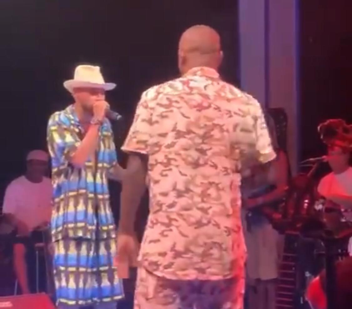 Neymar canta em show em Barra Grande; veja o vídeo
