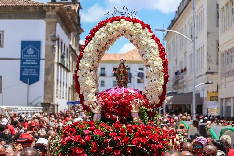 Resultado de imagem para Festa de Santa Bárbara reúne milhares de devotos no Centro Histórico