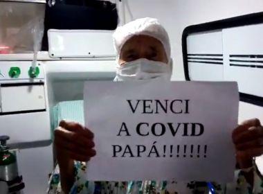 Mãe do humorista Jotinha se recupera da covid-19 e tem alta hospitalar